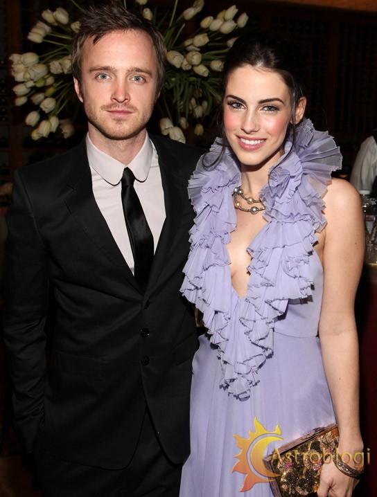 Jessica Lowndes&Aaron Paul